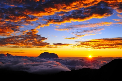 Sunrise from the summit of Haleakala. Image courtesy of M - Pics / FreeDigitalPhotos.net