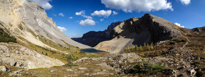 View of an unnamed lake and the path to Harvey Pass