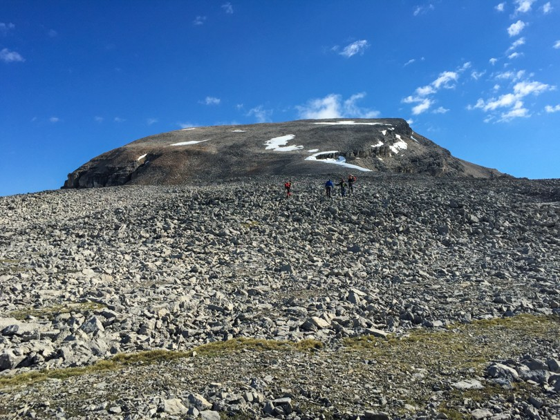 Scrambling to the top of Mount Thompson (3084 metres)