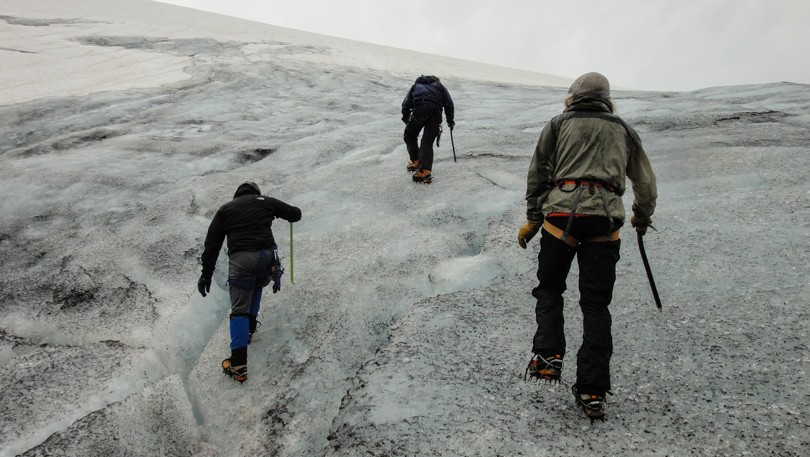 Learning to walk safely on ice with crampons